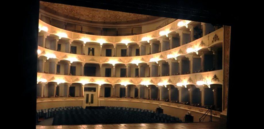 Platea del Teatro Cagnoni vista dal Palcoscenico